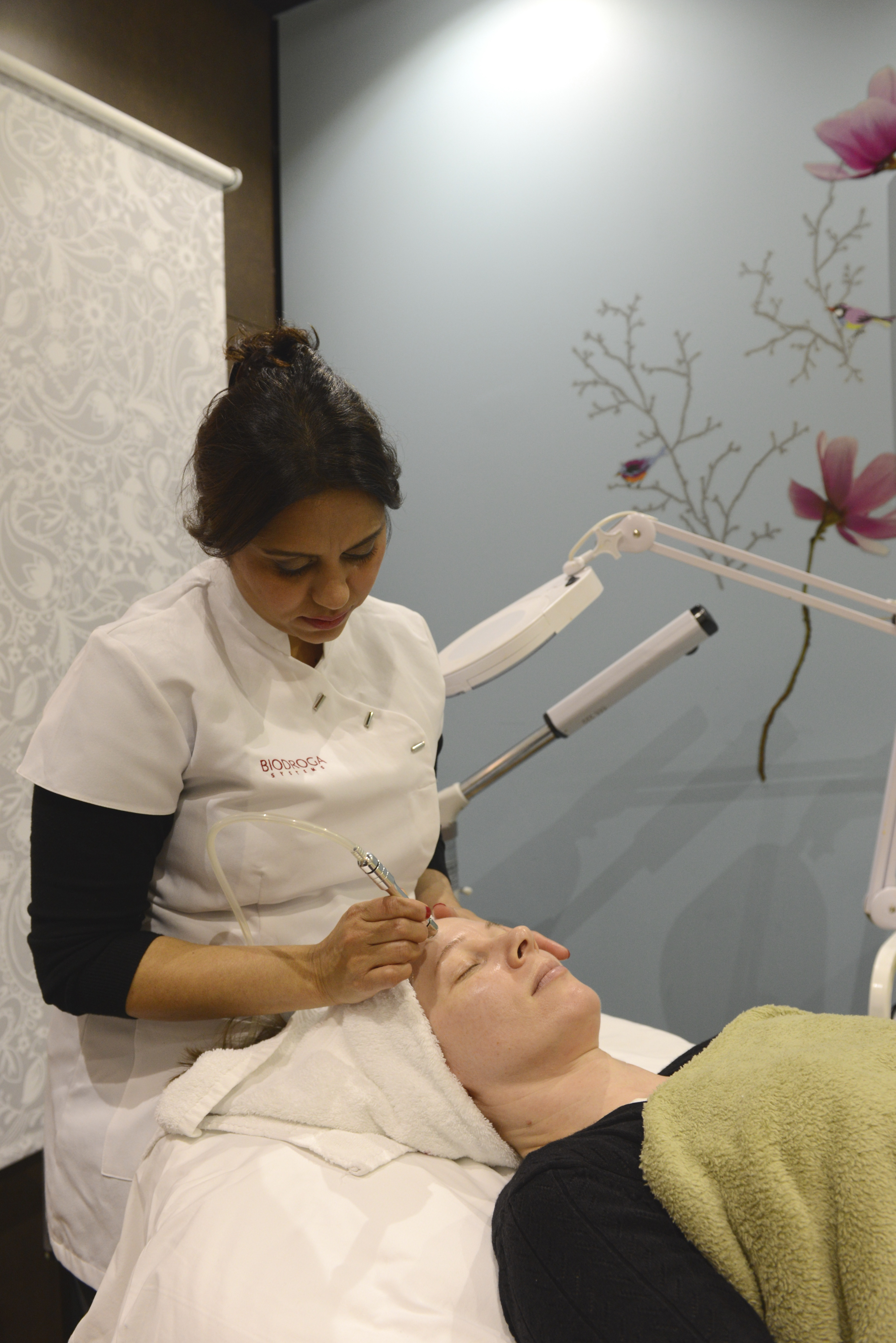 Spring Mist Spa - Microdermabrasion treatment